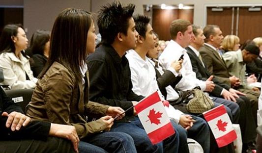 Inmigrar a  Canadá: Cómo evitar ser víctima de un fraude