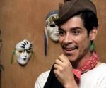 """Fotografía cedida por el estudio Lionsgate, que muestra al actor catalán Óscar Jaenada interpretando el papel del actor mexicano """"Cantinflas"""". EFE"""