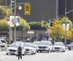 La policía acordona la zona a su llegada al Parlamento en Ottawa, Ontario, Canadá hoy 22 de octubre de 2014 donde un individuo con un rifle disparó a un soldado. EFE