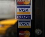 Vista de logo de Visa en la puerta de una tienda en Nueva York (Estados Unidos). EFE/Archivo