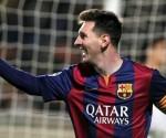 El delantero argentino del FC Barcelona Lionel Messi celebra el gol conseguido ante el Apoel, durante el partido del grupo F de la Liga de Campeones disputado en Nicosia, Chipre. EFE