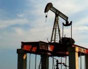 La cancelación del proyecto de Shell en los yacimientos de las arenas bituminosas de Alberta es una señal más de la rápida ralentización de la industria en Canadá ante el desplome de los precios del petróleo. EFE/Archivo