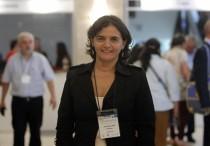La presidenta de la Sociedad Uruguaya de Medicina Familiar y Comunitaria (Sumefac), Jacqueline Ponzo, posa durante una entrevista, hoy miércoles 18 de marzo de 2015, en Montevideo (Uruguay). EFE