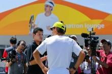 El tenista español Rafael Nadal fue registrado este martes al atender a los medios de comunicación, antes de participar en el Abierto de Tenis de Miami, en Miami (Florida, EE.UU.). EFE