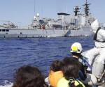 """Una fragata italiana que participaba en la  operación """"Mare Nostrum"""" en aguas del Canal de Sicilia. EFE/Archivo"""