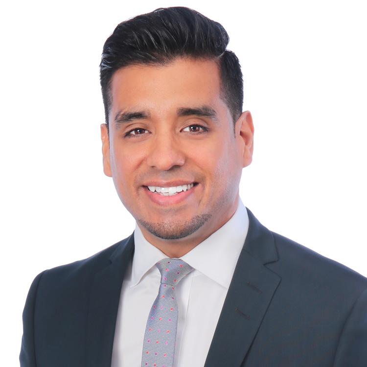 En la imagen, el abogado salvadoreño Alfonso E. Campos Reales