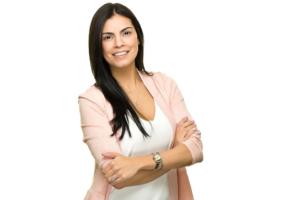 Laura Medina, joven ejecutiva latina de la compañía de seguros State Farm