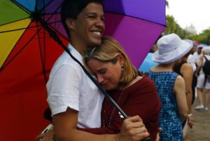 En la imagen, el activista de derechos humanos Pedro Julio Serrano (i). EFE/Archivo
