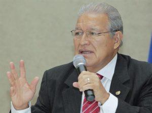 En la imagen un registro del presidente de El Salvador, Salvador Sánchez Cerén, quien recordó los países del Triángulo Norte de Centroamérica trabajan para garantizar la continuidad del apoyo de EE.UU. a los programas de desarrollo económico y social en la región. EFE/Archivo