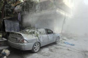 Vista de los daños producidos por el lanzamiento de un cohete en varios puntos del norte de Alepo, Siria, EFE/Archivo