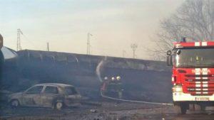 Accidente al descarrilar un tren después de una explosión de la carga de gas que transportaba en la aldea de Hitrino, a unos 360 kilómetros al este de Sofía. EFE